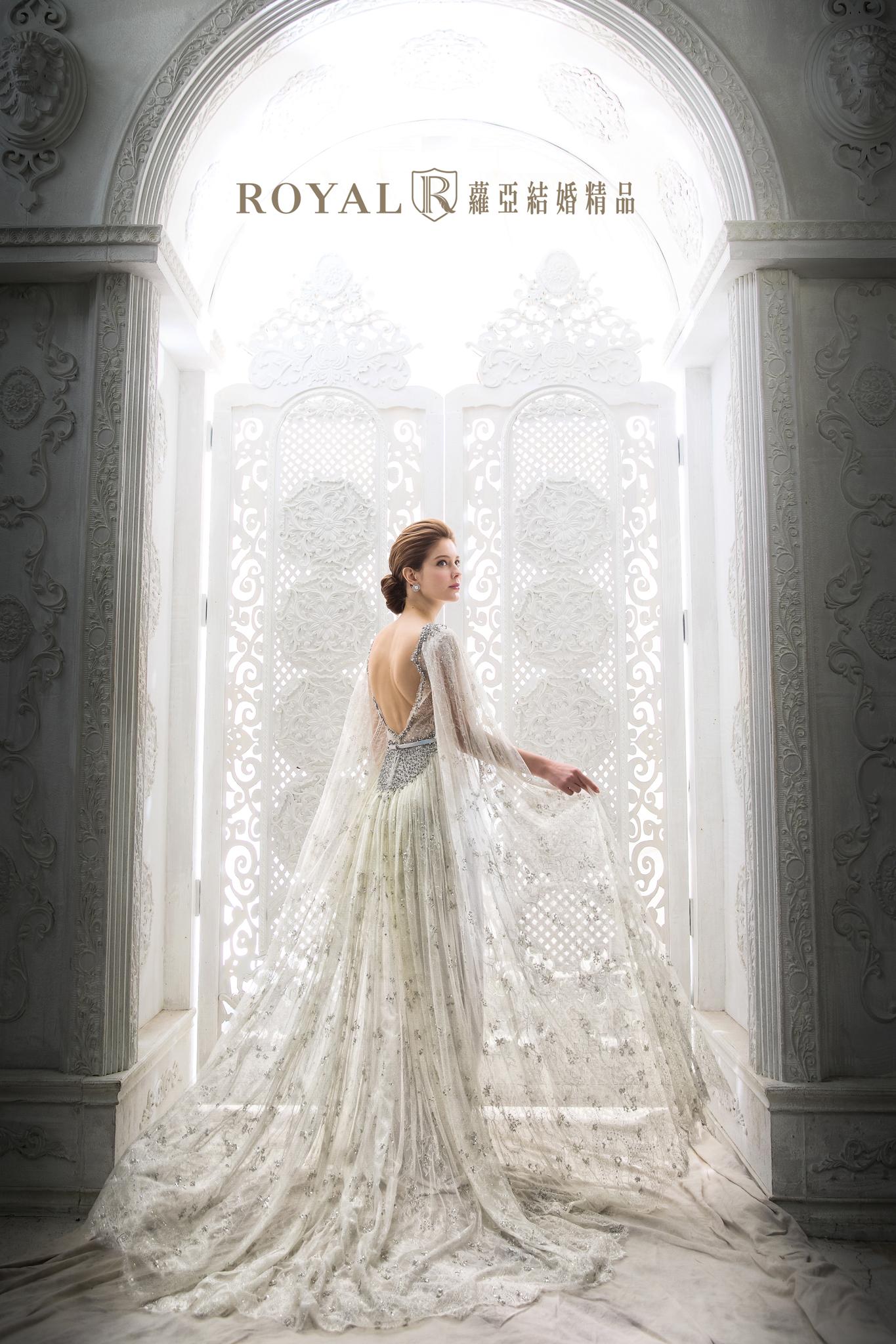 礼服相谈:5款法式美背婚纱